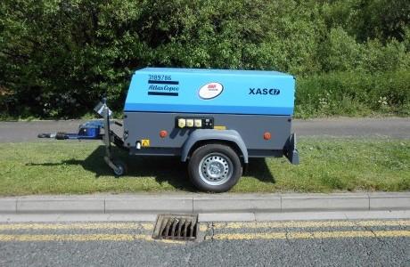 Atlas-Copco-XAS47-Compressor-in-GAP-Sapphire-Blue