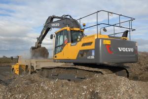 The Volvo EC220D excavator