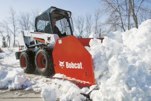 Bobcat-Skid-Steer-Loader-S630-Snow-Pusher-Snowremoval-102848_49347_090403
