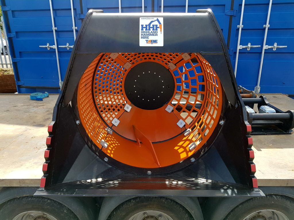 cct5-screening-bucket-supplied-with-20mm-and-50mm-screening-segments-aswell-as-custom-concrete-mixer-segments