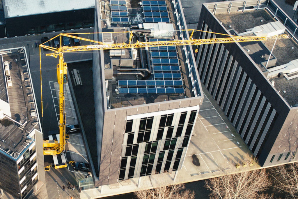 Bernard Hunter Mobile Cranes electric crane